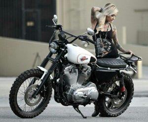 песня про девушку на мотоцикле