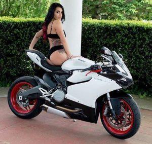 скачать картинки девушек на мотоциклах
