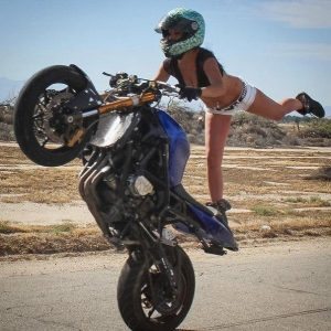 девушки машины мотоциклы