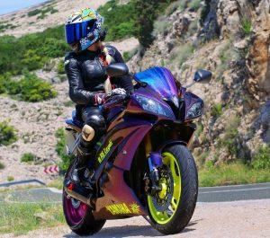 песня девушка на мотоцикле