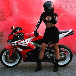 картинки девушки на мотоциклах