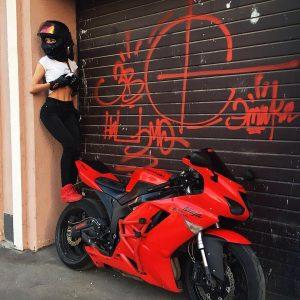 девушка разбилась на мотоцикле
